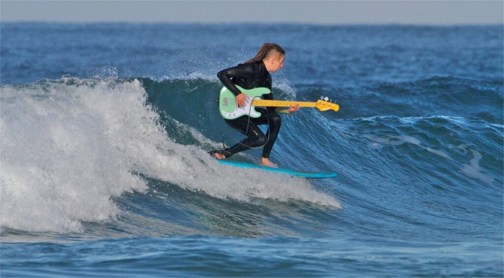 Dr Funk - The Surfing Bass Player